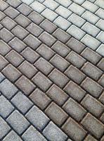 percorso di mattoni monotono