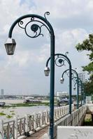 lampade in fila