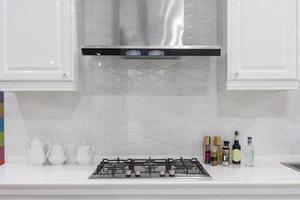 cucina bianca pulita foto