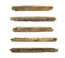 bastoncini di legno su sfondo bianco