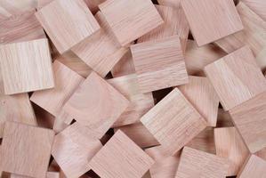mucchio di blocchi di legno foto