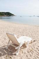 panchina sulla spiaggia