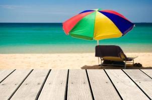 sfondo sfocato spiaggia per l'inserimento di prodotti