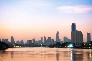 edifici e grattacieli a bangkok foto