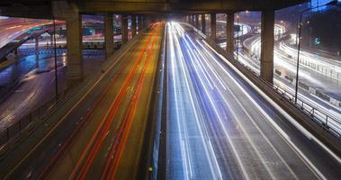 traffico di notte foto