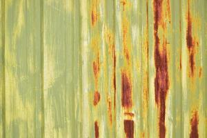 tavola di legno marrone, bianca e verde foto