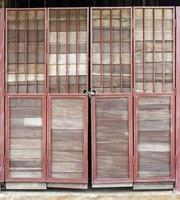 porte in legno rustico