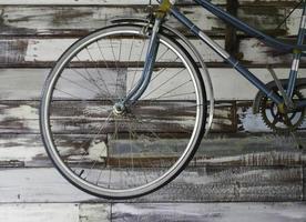 vecchia ruota di bicicletta