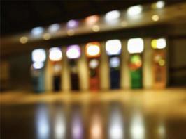 luci sfocate dell'edificio foto
