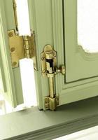 serratura della porta d'epoca foto