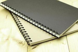 due quaderni a spirale foto