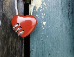 lucchetto a forma di cuore foto