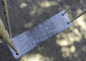 altalena in legno rustico