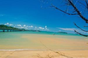 spiaggia del mare di phuket foto