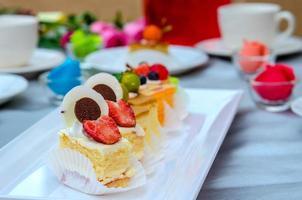 torta sul tavolo