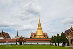 tempio di wat phra kaew in thailandia