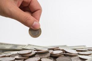 monete su sfondo neutro foto