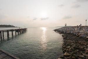 molo al mare in thailandia