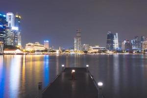 passerella pedonale dalla baia di singapore