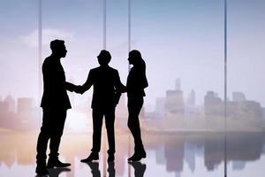 silhouette di uomini d'affari