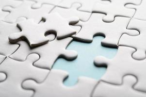 puzzle con un pezzo mancante foto