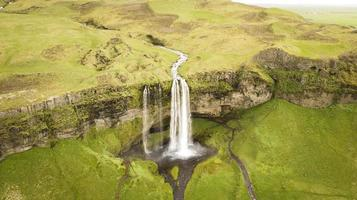 cascata in islanda foto
