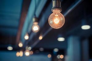 lampade vintage decorative in una casa foto