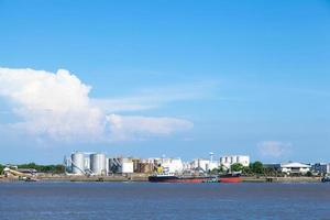 impianto di stoccaggio del petrolio in thailandia foto