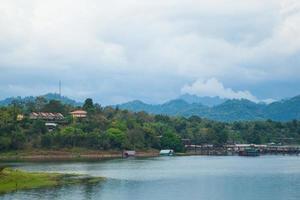 villaggi lungo il fiume foto