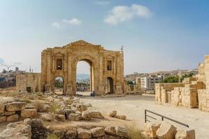 arco di Adriano a Jerash, Giordania, 2018