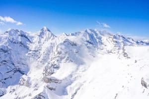 splendida vista sulle alpi svizzere