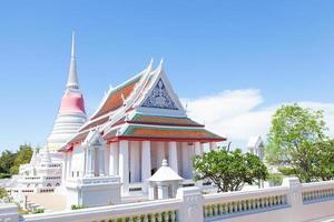 tempio bianco in thailandia