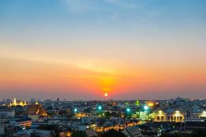 tramonto nella città di bangkok