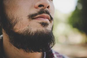 primo piano della barba dell'uomo foto