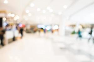 interno del centro commerciale sfocato astratto