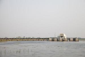stazione di pompaggio e conduttura foto