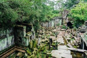 beng mealea rovine del tempio nel mezzo della foresta, siem reap, cambogia