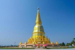 lamphun, thailandia, 2020 - il chedi phra mahathat si wiang chai durante il giorno
