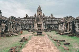 Bakong Prasat Temple nel complesso di Angkor Wat, Siemens Reap, Cambogia