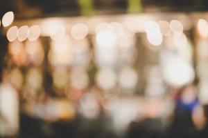 sfocare l'immagine del festival del mercato notturno con bokeh foto