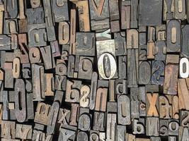 blocchi pressa in legno di diverse dimensioni foto
