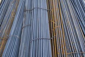 barre da costruzione in ferro in fasci foto