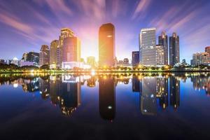 vista di un panorama della città di bangkok foto