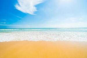 bellissima spiaggia tropicale foto