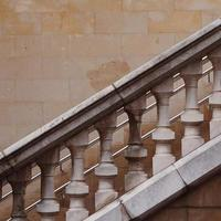 architettura scale in strada nella città di bilbao, spagna foto