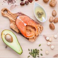 salmone con ingredienti sani foto