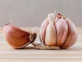 spicchi d'aglio foto