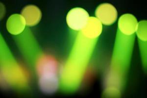 riflettori astratti sul palco in concerto foto