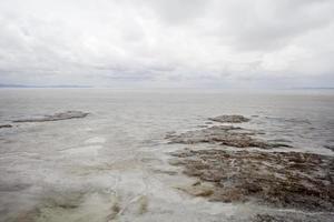 Salar de Uyuni distesa di sale in Bolivia foto
