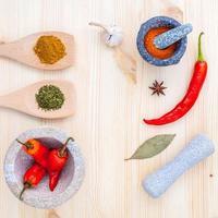 spezie ed erbe aromatiche essiccate foto